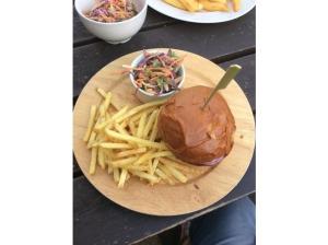 7687162-Burger_Fort_St_George_Cambridge_Cambridge