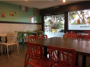 7514492-Interior_V_Cafe_Melaka_Melaka