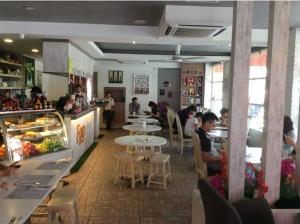 7549770-Interior_Eggxtra_Melaka_Melaka