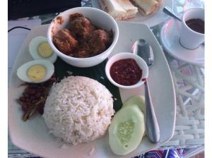 7549774-Nasi_lemak_Eggxtra_Melaka_Melaka