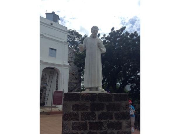 7277015-Statue_St_Pauls_church_Melaka_Melaka