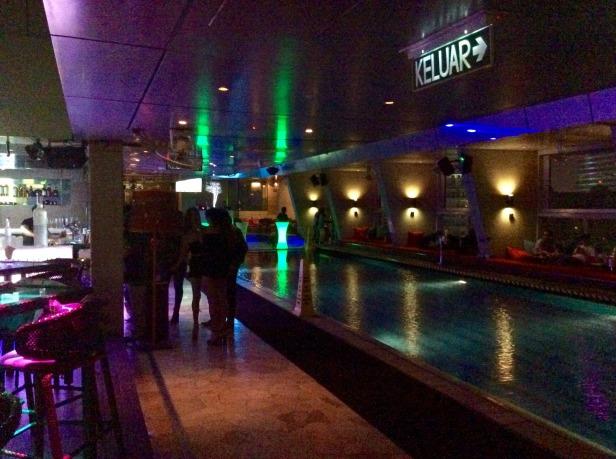 7648696-Pool_SkyBar_KL_Kuala_Lumpur