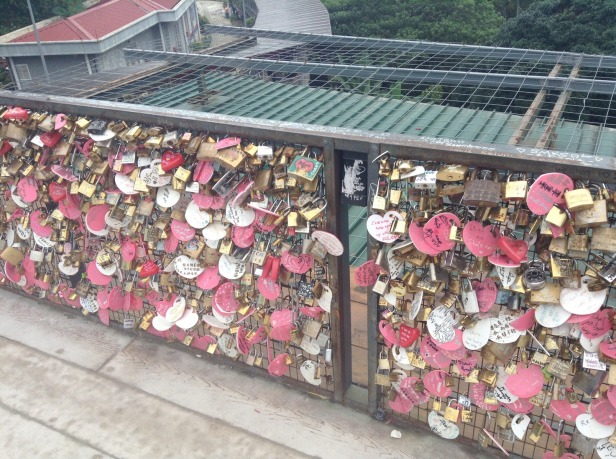 7284826-Locks_Penang_hill_Penang