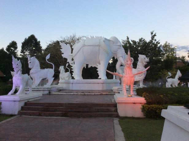 7508335-Chiang_Mai_Night_Safari_Chiang_Mai