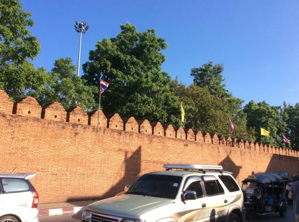 7508348-City_Wall_old_town_Chiang_Mai_Chiang_Mai