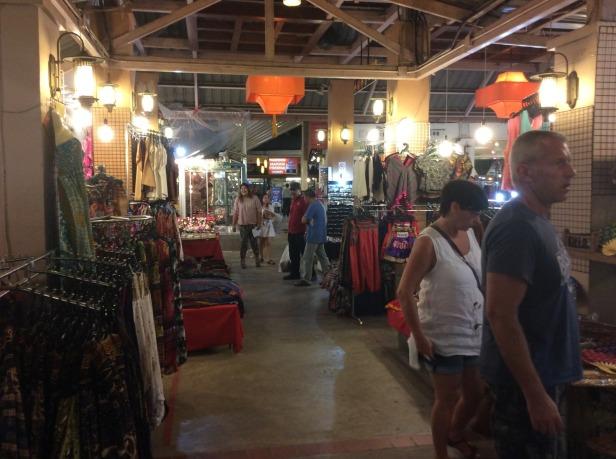 7513307-Night_Bazaar_2_Chiang_Mai