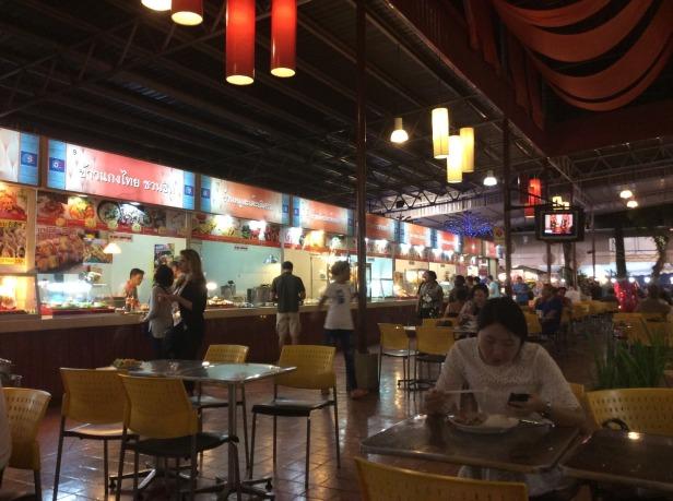 7513319-Food_court_Night_Bazaar_2_Chiang_Mai_Chiang_Mai
