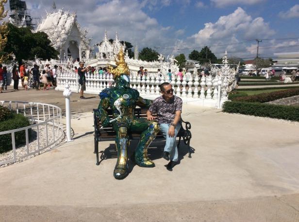 7513362-Statue_Wat_Rong_Khun_Chiang_Rai_Chiang_Rai