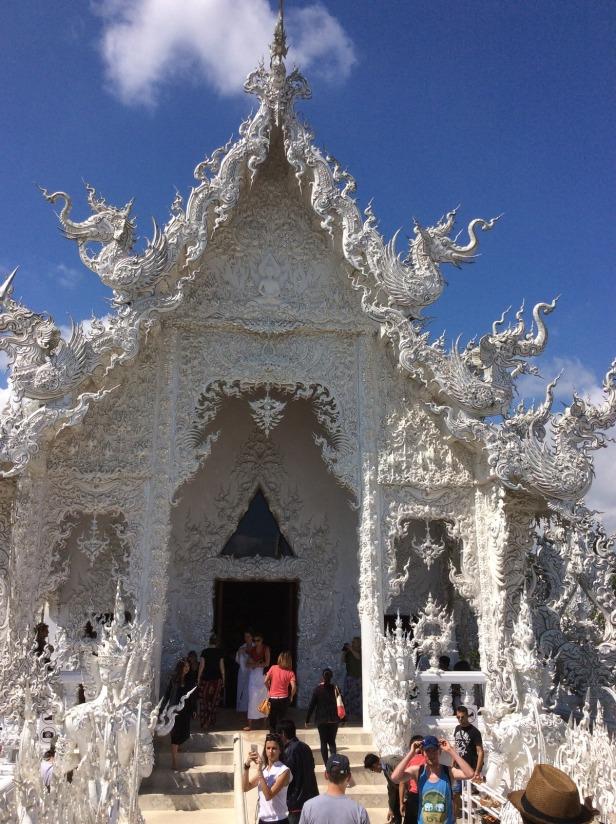 7513363-Entrance_Wat_Rong_Khun_Chiang_Rai_Chiang_Rai
