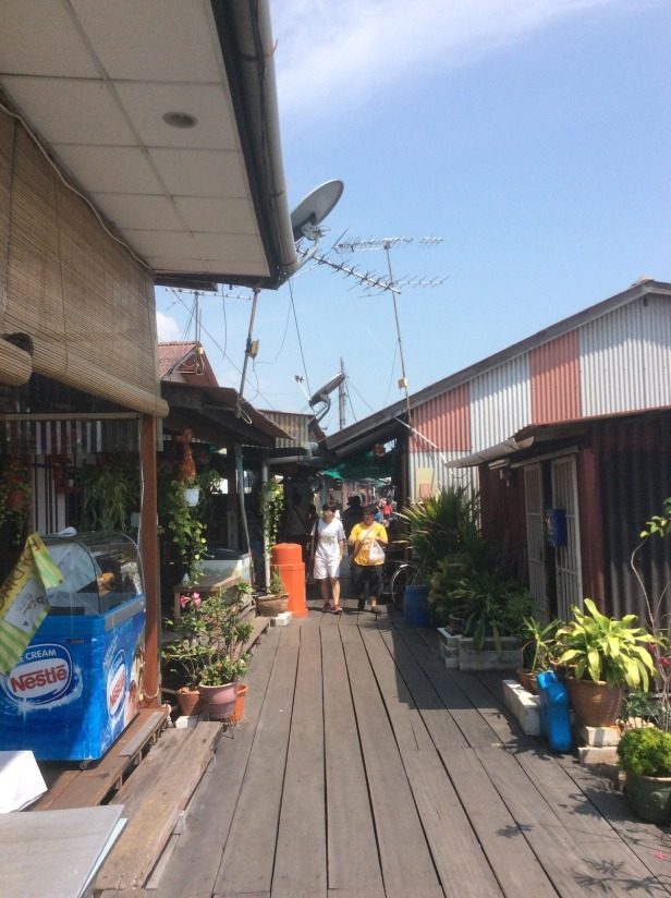 7603057-Houses_Chew_Jetty_Penang_Penang