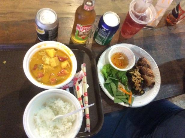 7639038-Food_Street_Food_Market_HCMC_Ho_Chi_Minh_City