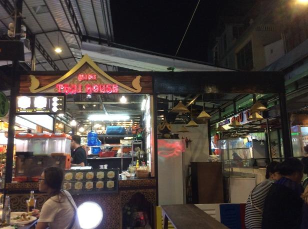 7639042-Thai_Street_Food_Market_HCMC_Ho_Chi_Minh_City
